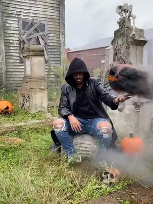 Video with title 'Get ready for Halloween with me #yzfamily #tutorial #foryoupage #fürdich #fyp #yullbeyz'